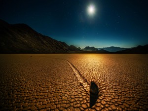 Hermoso cielo sobre Racetrack Playa (California)
