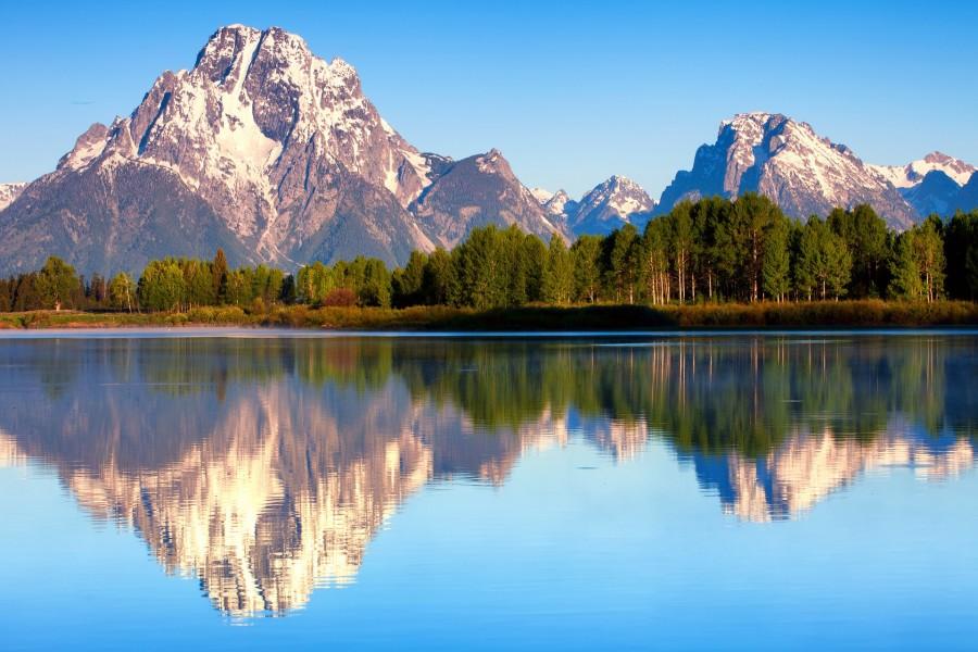 Fondo Escritorio Bonitas Montañas Nevadas: Bonitas Montañas Reflejadas En El Agua (67803