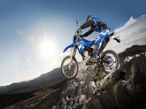Gran salto con una Yamaha