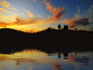 Casita en la colina vista al amanecer
