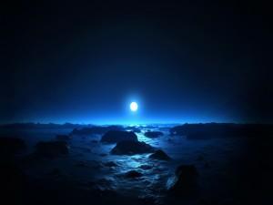 Una hermosa luna iluminando el paisaje