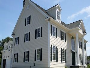 Deslumbrante mansión blanca