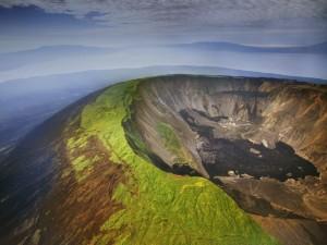 Volcán en la Isla Isabela (Islas Galápagos)