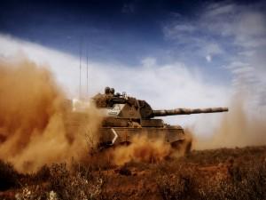 Soldados en un tanque