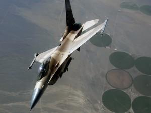 Caza F-16 Falcon