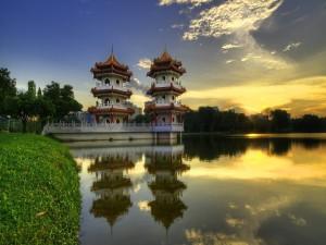 Pagodas junto a un lago