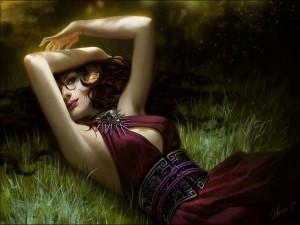 Mujer sobre la hierba