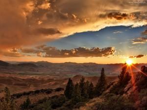 Sol iluminando el paisaje