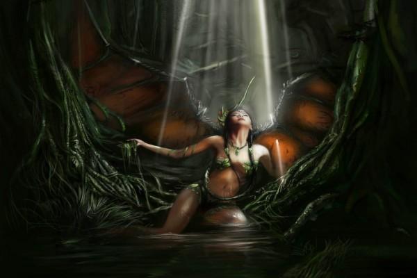 Hada viviendo en una cueva