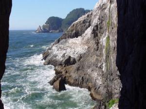 Rocas en la costa marina