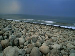 Piedras en una orilla