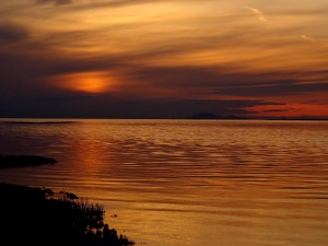 Cielo anaranjado al amanecer
