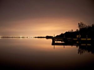 Estrellas sobre el lago