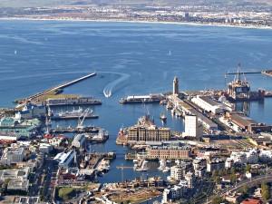 El puerto de una ciudad