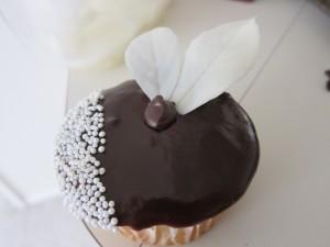 Cupcake cubierto de chocolate