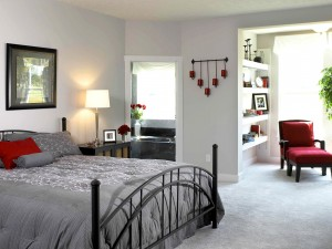 Un dormitorio muy luminoso
