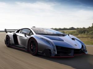 Un bonito Lamborghini en la carretera