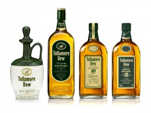Varias botellas de whisky Irish
