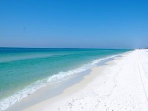 Gran playa de arena blanca