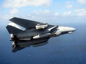 F-14 Tomcat sobre el mar