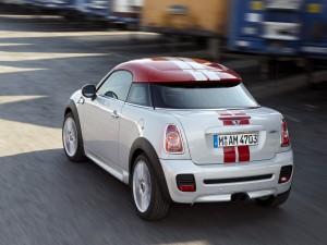 Mini Cooper Coupe rojo y blanco
