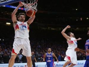"""Pau Gasol encestando en el partido contra Francia """"EuroBasket 2015"""""""