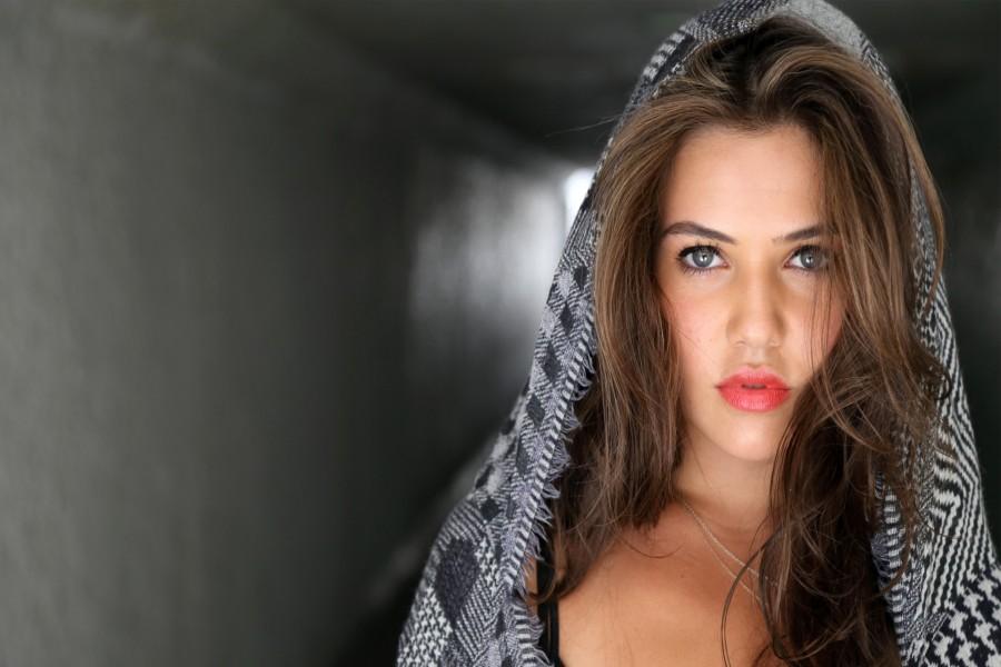 La actriz estadounidense de cine y televisión Danielle Campbell