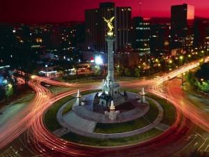 El Ángel de la Independencia visto en la noche (México, D. F.)