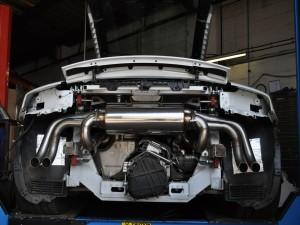 Tubo de escape de un Audi R8 V10