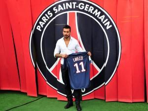Ezequiel Lavezzi en su presentación en el París Saint-Germain