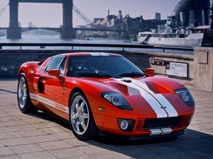 Ford GT 3 de color rojo