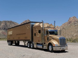 Camión Peterbilt de color bronce