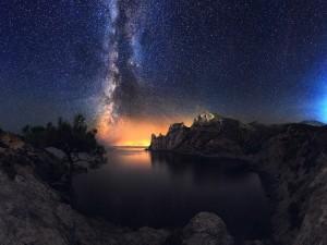 La Vía Láctea a la salida del sol