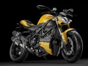 Ducati Streetfighter amarilla