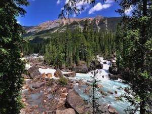 Río en el Parque Nacional Jasper (Alberta, Canadá)