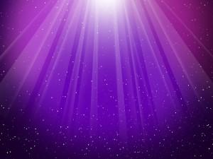 Luz iluminando un fondo púrpura