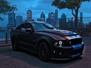 Ford Mustang en la noche