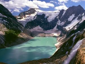 Lago de un glaciar