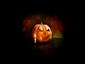 Calabaza con velas para festejar Halloween