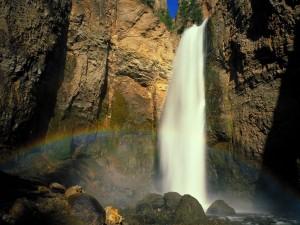 Cascada Tower Falls (Parque Nacional de Yellowstone)