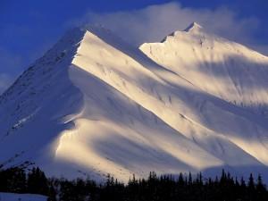 Montañas nevadas en Alaska