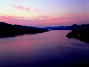 Amanecer sobre el río Hudson (Nueva York)
