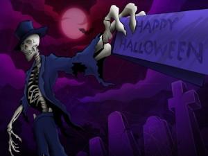 "Esqueleto con una tarjeta de ""Feliz Halloween"""