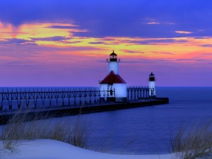Faros junto al lago Michigan