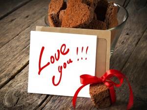 Galletas junto a un mensaje de amor