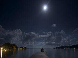 Romance junto al mar y bajo la luna