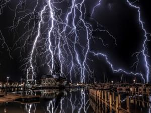 Descarga eléctrica en un muelle de Miami