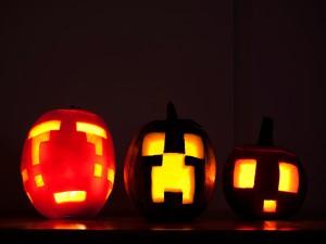 Unas calabazas talladas para Halloween