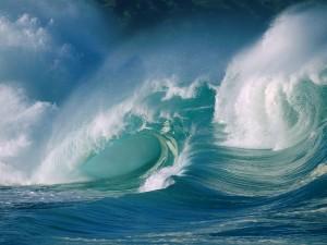 Grandes olas en el océano