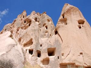 Cuevas en las rocas (Göreme)
